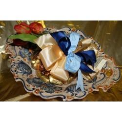 Vassoio smerlato in ceramica di Deruta