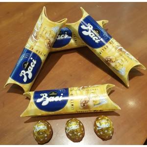 Tubo di Baci Perugina con Baci Gold.